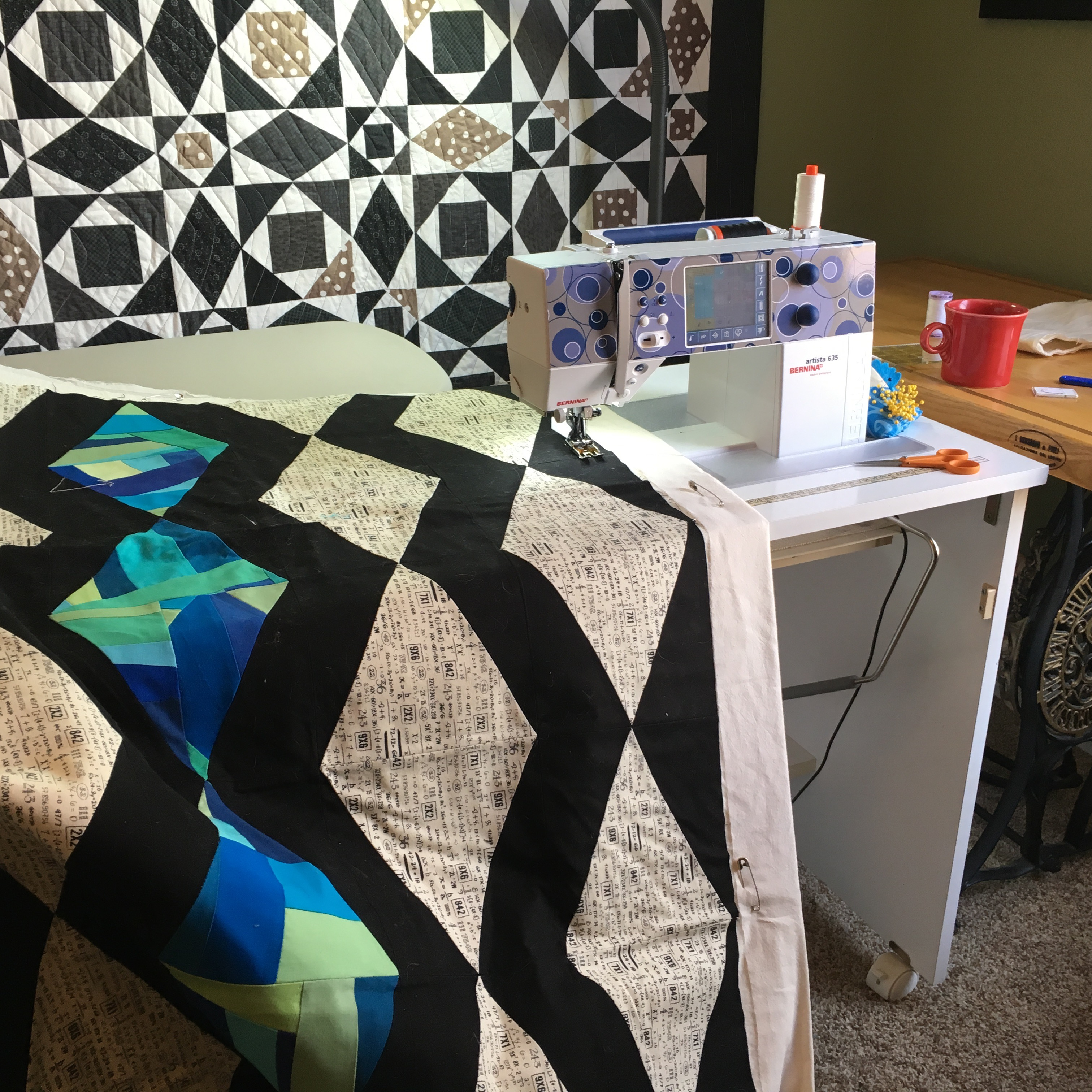 Q2'16 Finish Along – Brown Paws Quilting