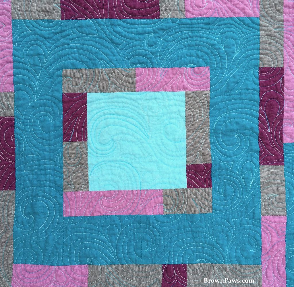 strippy square detail quilting