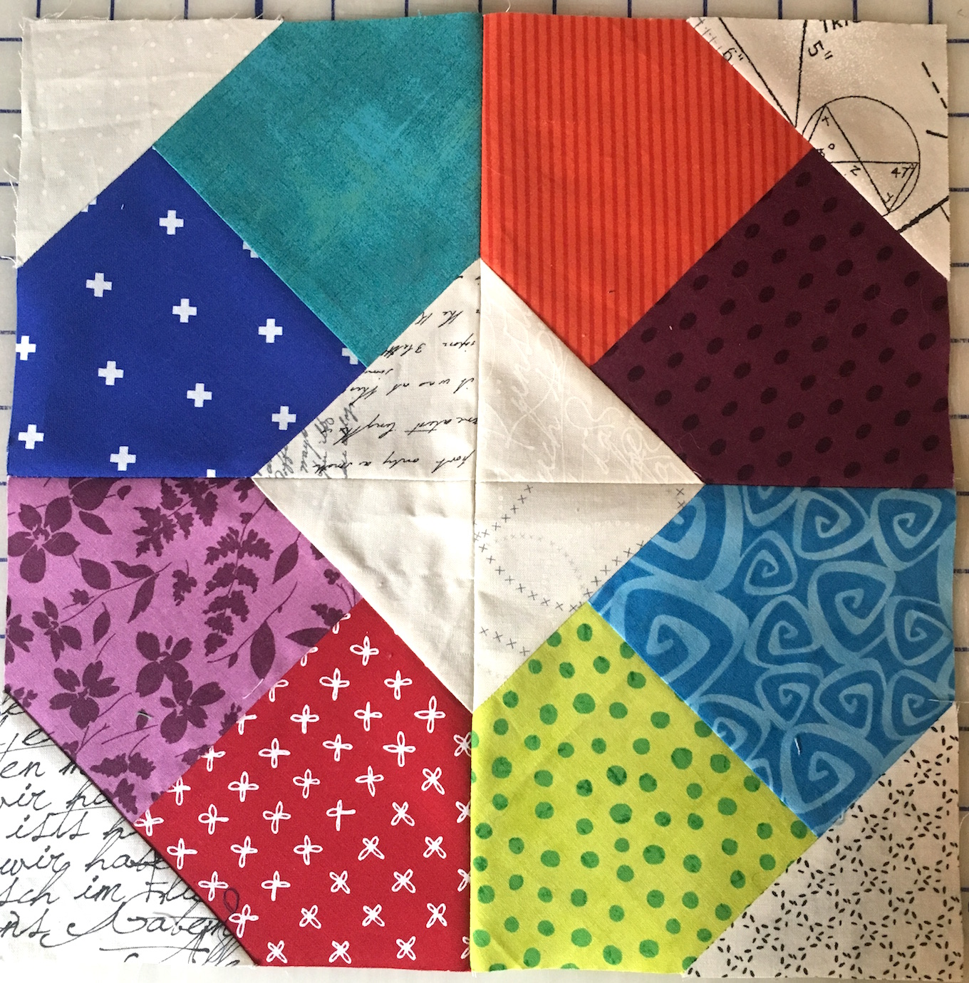 Bee Inspired Quilt Bee Group – January Block